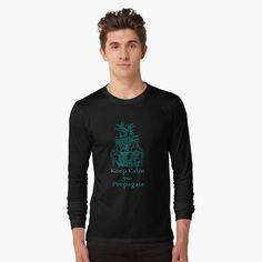 'Sassy the sasquatch and friends big les show' T-Shirt by mandymcgurk Vintage T-shirts, Vintage Design, Loose Fit, Leggings, Chemise Fashion, Girly, Pajama Shirt, Christmas Pajamas, Unisex