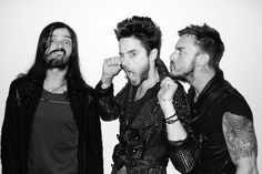 THIRTY SECONDS TO MARS Everybody make as weird of a face as U possibly can on three...