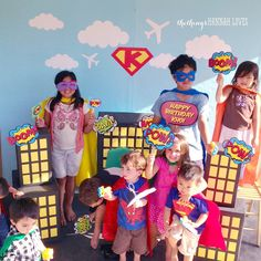 the things hannah loves: SUPERHERO BIRTHDAY PARTY - photo booth ideas and printables