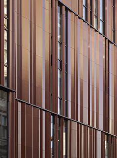 Retail Exterior Surface - South Molton Street Building - by DSDHA. IMAGE CREDIT - DENNIS GILBERT