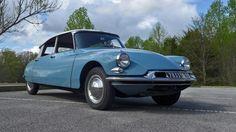 1959 Citroen ID-19 sedan front 3-4 Lane Motor Museum