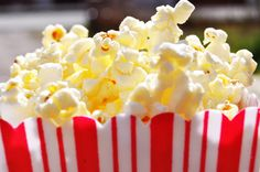 Who doesn't love free things? Bring a reusable container to our already FREE movies and enjoy fresh, buttery popcorn on us! Popcorn Snacks, Free Popcorn, Pop Popcorn, Movie Theater Popcorn, Good Food, Yummy Food, Fun Fair, Looks Yummy, Finger Foods