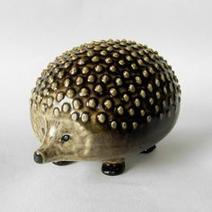 hedgehog ( Lisa Larson )