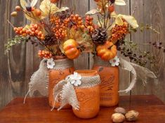 19 Really Amazing DIY Fall Decorations You Shouldn't Really Amazing DIY Fall Decorations You Shouldn't MissA cozy afternoon project for autumn home decorA cozy afternoon project for autumn home best DIY mason jar Mason Jar Projects, Mason Jar Crafts, Bottle Crafts, Fall Mason Jars, Mason Jar Diy, Mason Jar Thanksgiving Centerpieces, Fall Wine Bottles, Fall Table Centerpieces, Halloween Mason Jars