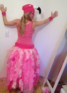 Flamingo Kostüm selber machen | Kostüm Idee zu Karneval, Halloween & Fasching