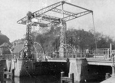 Amsterdam, brug 318 over de Zoutkeetsgracht in 1877