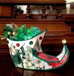 Misty's cute Elf Shoe is from the SANTA'S HELPFUL ELF KIT. Love the papers she used! So pretty!