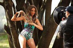 Las serpientes dominaron en la sesión de fotos.Las modelos tuvieron que enfrentarse a una prueba en la que una serpiente fue su venenosa compañía.