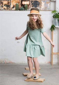 Suknie i sukienki dla dziewczynek na DeFashion.pl | #defashionpolska #fashion #kids #dresses #sukienki #dzieci #suknia Fashion Kids, Panama Hat, Hats, Hat, Hipster Hat, Panama
