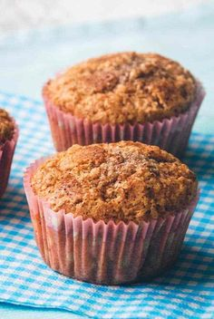 naturally sweet blueberry muffins with a sweet strudel topping. Blueberry Strudel, Blueberry Streusel Muffins, Chocolate Banana Muffins, Danish Dessert, Dessert Bars, Healthy Dessert Recipes, Cake Recipes, Healthy Meals, Bread Recipes