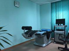 В отделении неврологии МЦА установлен роботизированный декомпрессионный комплекс для сухого скелетного вытяжения (трехмерной декомпрессии, тракции) всех трех отделов позвоночника - шейного, грудного, поясничного - KINETRAC KNX-7000 Проблема рационального лечения болевого синдрома, а также неврологических проявлений остеохондроза позвоночника у пациентов, как с грыжеобразованием, так и без него, с акцентом на неоперативные методы лечения,