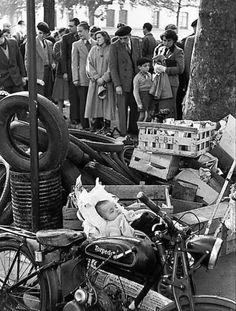 1952  Henri Cartier-Bresson