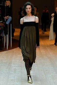 Céline Fall 2017 Ready-to-Wear Fashion Show - McKenna Hellam
