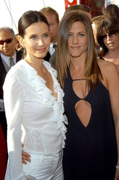 Jennifer and Courteney Cox wore black and white ensembles to the SAG Awards in March 2003.