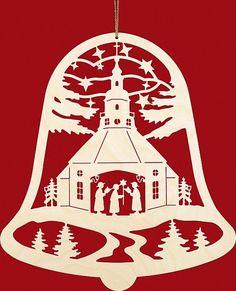 Taulin Fensterbild Weihnachten Seiffener Kirche in der Glocke: Christmas Stencils, Christmas Templates, Christmas Wood, Christmas Bells, Christmas Printables, Christmas Projects, Christmas Ornaments, Kirigami, Paper Cutting