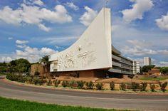 Die skip University of pretoria - Südafrika – Wikipedia University Rankings, World University, University Place, Best University, Pretoria, Port Elizabeth, Kruger National Park, Garden Pests, Rest Of The World