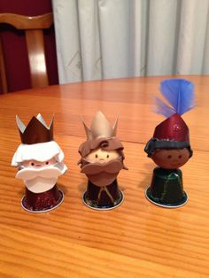 Nespresso, Christmas Decorations, Kids, Amelia, Portal, Food, Christmas Decorating Ideas, Crafts, Colorful Feathers