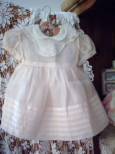 pretty, such a pale pink. make for a grandbaby? Vintage Baby Dresses, Vintage Baby Clothes, Little Girl Dresses, Vintage Girls, Vintage Outfits, Flower Girl Dresses, Christening Gowns, Little Fashionista, Baby Sewing