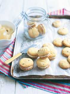 yoyo biscuits with creamy passionfruit filling- donna hay