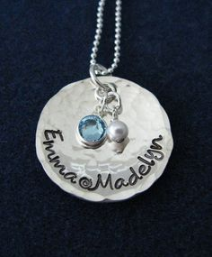 Mommy Necklace Inwant this!!!