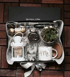 gifts for men Awesome Fathers Day Gift Basket Ideas for Men coffee gift box Diy Gift Baskets, Christmas Gift Baskets, Gift Hampers, Diy Christmas Gifts, Holiday Gifts, Gift Basket For Men, Coffee Gift Baskets, Raffle Baskets, Christmas Ideas