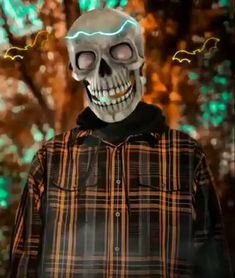 Halloween Gif, Halloween Pictures, Cute Good Night Messages, Broken Heart Wallpaper, Gas Mask Art, 3d Foto, Scary Wallpaper, Motion Images, Funny Instagram Memes
