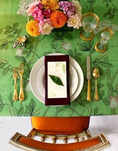 Rosa Beltran Design {Blog}gold flatware green orange holiday part decor table