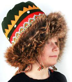 Skolt sámi woman's winter headwear - Kolttasaamelainen naisten talvilakki, Kuva: kolttasaamelaiset.fi Winter Headwear, Kola Peninsula, Samara, Headgear, Arctic, Finland, Ethnic, Mad, Folk