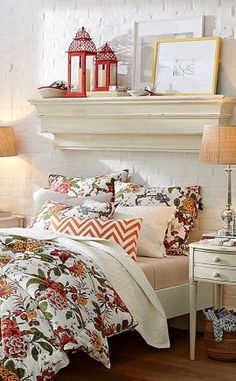 Love the coral accents in this bedroom http://rstyle.me/n/fj5hynyg6