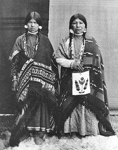 "Nez Perce women - No name - Photo by ""Unknown"" - 1906."