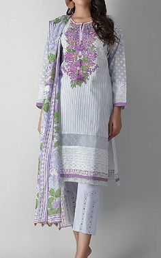Famous Clothing Brands, Pakistani Lawn Suits, Suits Online Shopping, Pakistani Fashion Casual, Pakistani Designers, Best Brand, Costume Design, Kimono Top, Fashion Dresses
