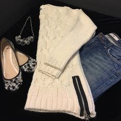 """NWOT Cable Knit Sweater Never worn cable knit sweater with zipper detail on the bottom. 27"""" long from the top of the shoulder 18.5"""" across he chest under the arm. Hardware on zipper is silverONLY reasonable offers will be considered and please NO trade❤️ H&M Sweaters Crew & Scoop Necks"""