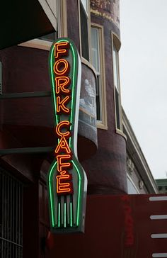 San Francisco Figural Neon Sign  - Fork Cafe