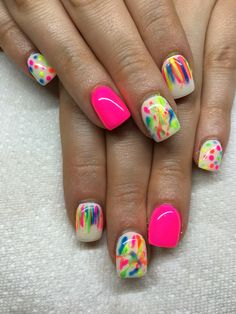 Gel nails with hand drawn design using gel By Melissa Fox – Schöne nägel – Car and Tech Get Nails, Fancy Nails, Love Nails, Fabulous Nails, Gorgeous Nails, Pretty Nails, Toe Nail Designs, Pedicure Designs, Summer Nail Designs