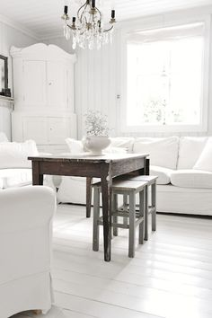 Living Room Whitewashed Chippy Shabby Chic French Country Rustic Swedish decor idea