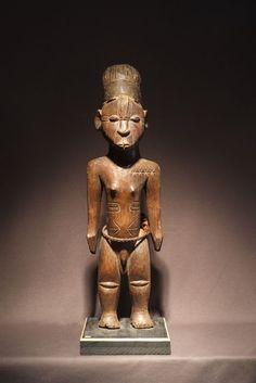Big Mangbetu Statue. D.R. Congo