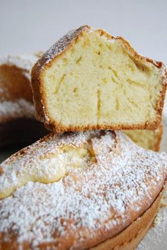 Ciambellone Ring Cake - Old Days Italian Staple - Ciambellone Recipe- This delicious classic Italian ring cake is simple, fast and butter-free. Get thousands of Italian recipes on Honest Cooking today. Italian Pastries, Italian Dishes, Easy Italian Desserts, Authentic Italian Recipes, Old Italian Recipes, Sicilian Recipes, French Recipes, Food Cakes, Cupcake Cakes