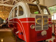 Visit Águeda and surrounding area and discover the beautiful National Railway Museum - Macinhata do Vouga Section.  #portugal #agueda #old #railcar