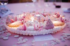 seashell-themed centerpiece DIY ... http://www.elizabethannedesigns.com/blog/2008/11/24/diy-weddings-cindy-janice/#