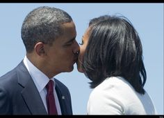 Barack Obama Tucks FLOTUS Into Bed At Night, Their Most Adorable PDA Moments (PHOTOS)