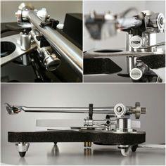 Rega RB2000 High end audio audiophile turntable vinyl record
