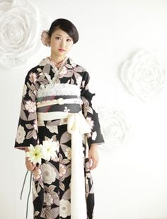 水戸市つくば市成人式写真 Japanese Costume, Costumes For Women, Kimono Top, Tops, Fashion, Moda, Fasion, Trendy Fashion, La Mode