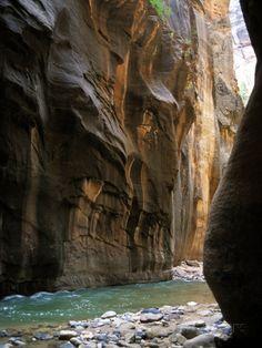 Virgin fiume utah | Virgin River Flows Through Narrows Canyon in Zion National Park, Utah ...