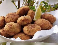 """Νόστιμη συνταγή μαγειρικής από """"Gogo Samiou - ΟΙ ΧΡΥΣΟΧΕΡΕΣ / ΗΔΕΣ"""" ΥΛΙΚΑ 100 γραμμάρια λευκό ταραμά 300 γραμμάρια ψωμί μουλιασμένο 2 κουταλιές σούπας δυόσμο 2 κουταλιές σούπας άνηθο 2 κουταλιές μαϊντανό 1 ξερό κρεμμύδι 2 σκελίδες σκόρδο Χυμό από ένα Tasty, Yummy Food, Finger Foods, Potatoes, Vegetables, Desserts, Blog, Tailgate Desserts, Deserts"""