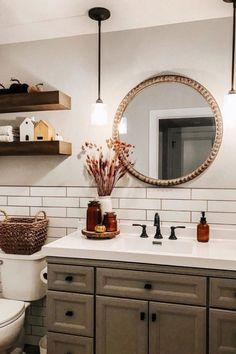Half Bathroom Decor, Guest Bathrooms, Bathroom Ideas, Bathroom Things, Bathroom Beach, Neutral Bathroom, Gold Bathroom, Downstairs Bathroom, Design Bathroom