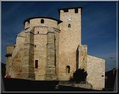 Roquefort des Landes - Landes - En découvrant cette construction proche d'une rivière j'ai de suite pensé que j'étais en face d'un château fort. Quelle puissance !...  Mais après l'avoir observée sous toutes les coutures, je peux affirmer sans erreur que cette magnifique construction est bien une puissante église fortifiée.