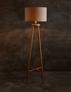 Light up your room in style with this elegantly shaped floor lamp, a great accessory for adding a fresh touch to the home.
