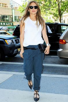 Jennifer Lopez Swaps Her Usual Glam Wardrobe For A More Casual Look Out And About In New York, 2014   Look