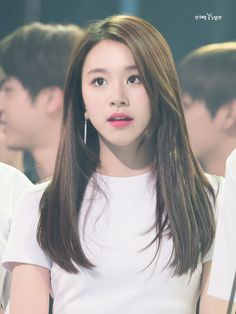 My baby  RT @honeychaeng: #트와이스 #채영 #TWICE #chaeyoung 161116 #AAA #베스트아티스트상 우래기 분위기 미쳤구여.. 예쁘구여.. 아름답구여.. 혼자 다하구여.. https://t.co/fjwcUg8pAP