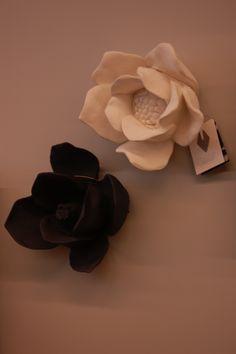 Plaster Flowers  www.ivavianaescultura.com  www.facebook.com/IvaVianaEscultura